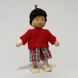 Junge, Shirt-rot, Haare braun